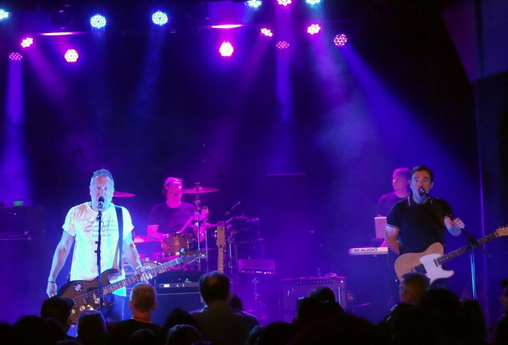 peter-hook-show-review-1